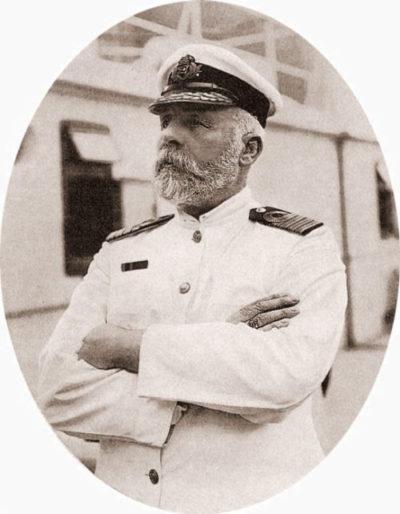 EJ Smith, kapten på Titanic (dekorativ porträttbild)