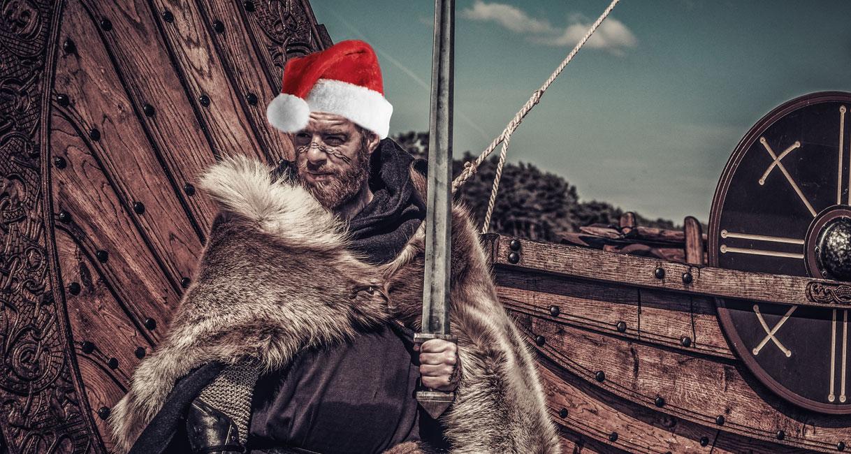 Yule (dekorativ bild av viking med tomteluva)